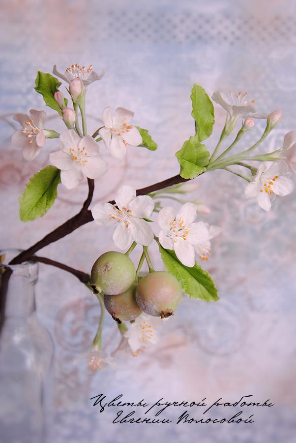 яблоки, цветы ручной работы