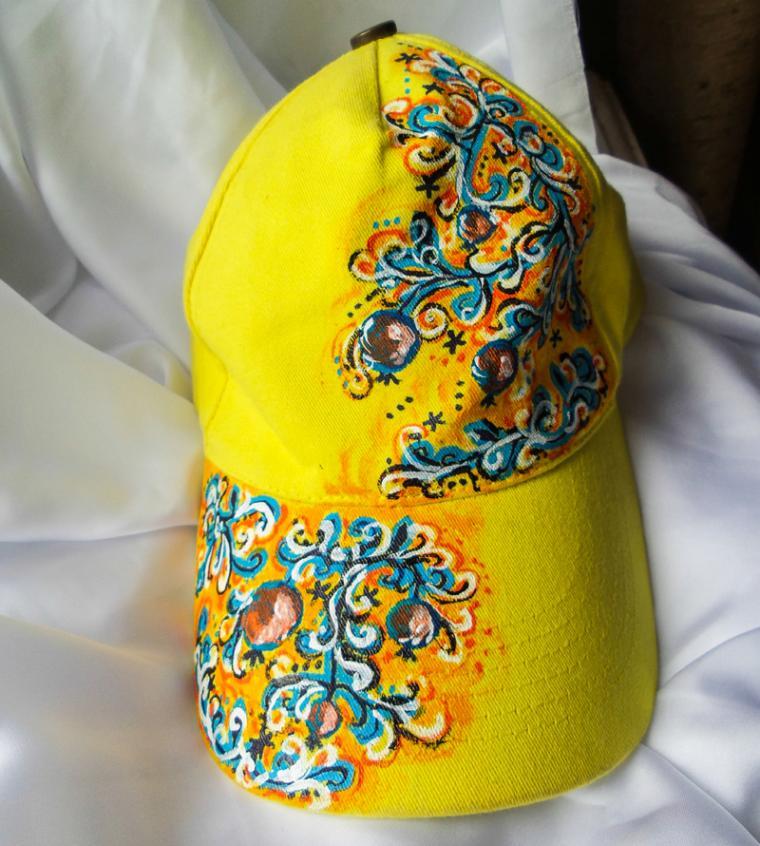 кепка, бейсболка женская, роспись аксессуаров, жетая кепка