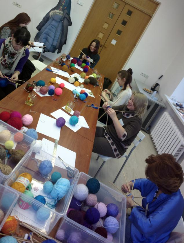 плетение мандалы, оберег из пряжи