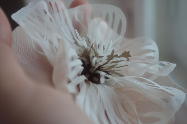 выжигание по ткани, цветы из ткани