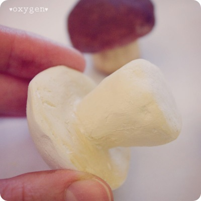 Как сделать грибочек из фольги и паперклея, фото № 4