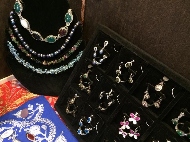 арабский стиль, маркет, выставка, выставка-ярмарка, украшения, серебро, серебряные украшения