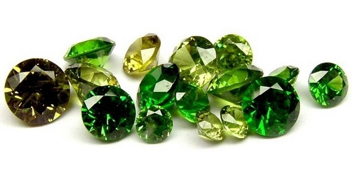зеленый гранат