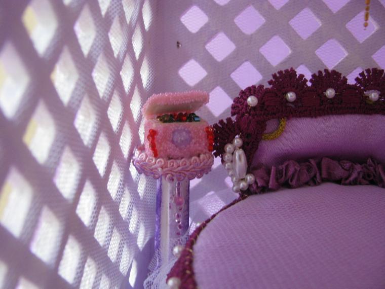 домик для кукол, сирень