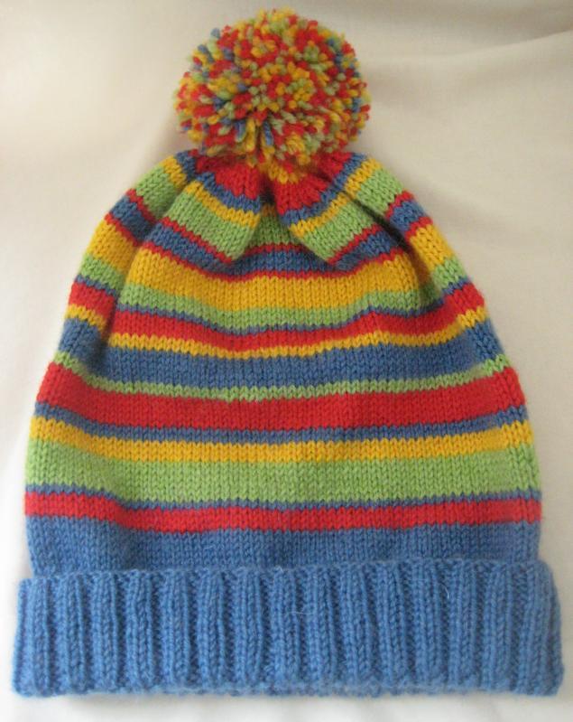 шапка для девушки, разноцветный узор, шапка с помпоном, шапка спицами, вязание на спицах