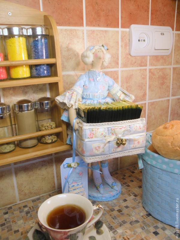 Кукла тильда - хранительница чайных пакетиков.