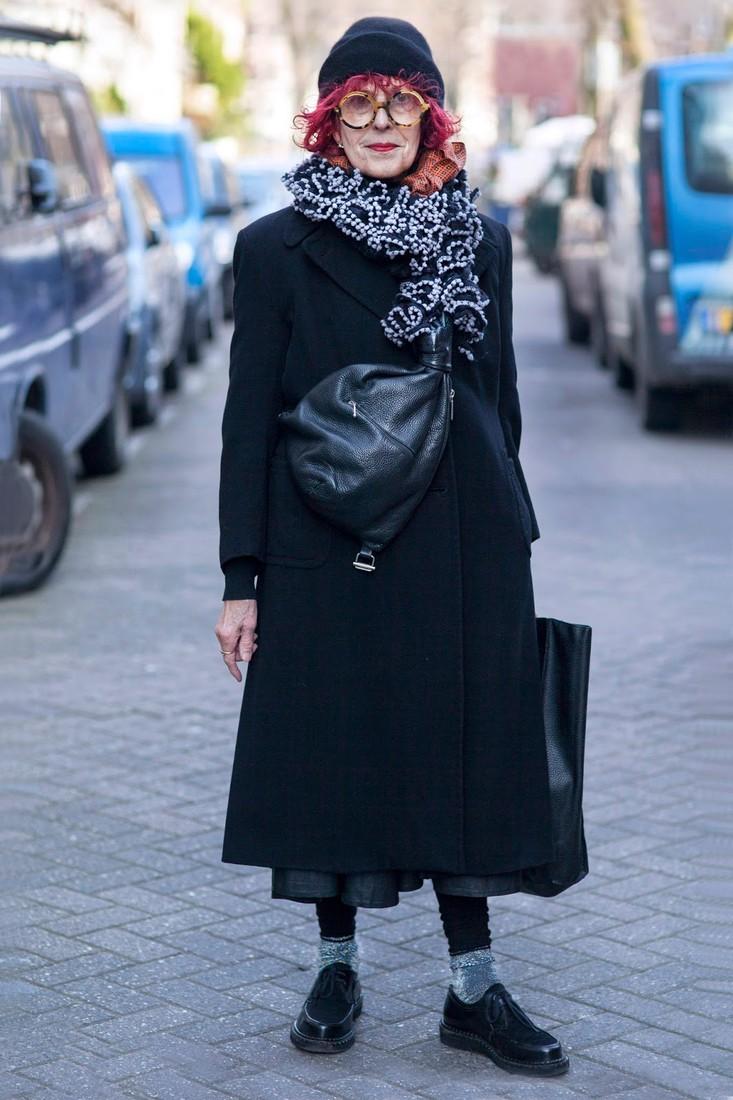 женщины намокли в одежде смотреть бесплатно