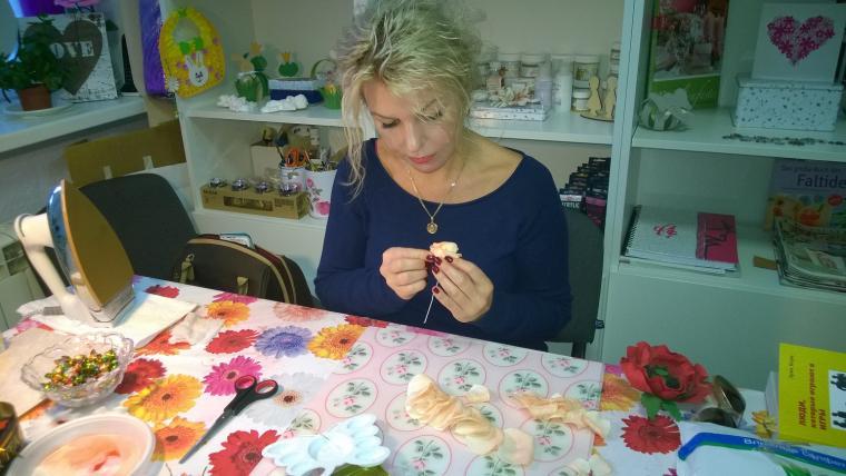 фом, мастер-класс по цветам, цветы из фоамирана