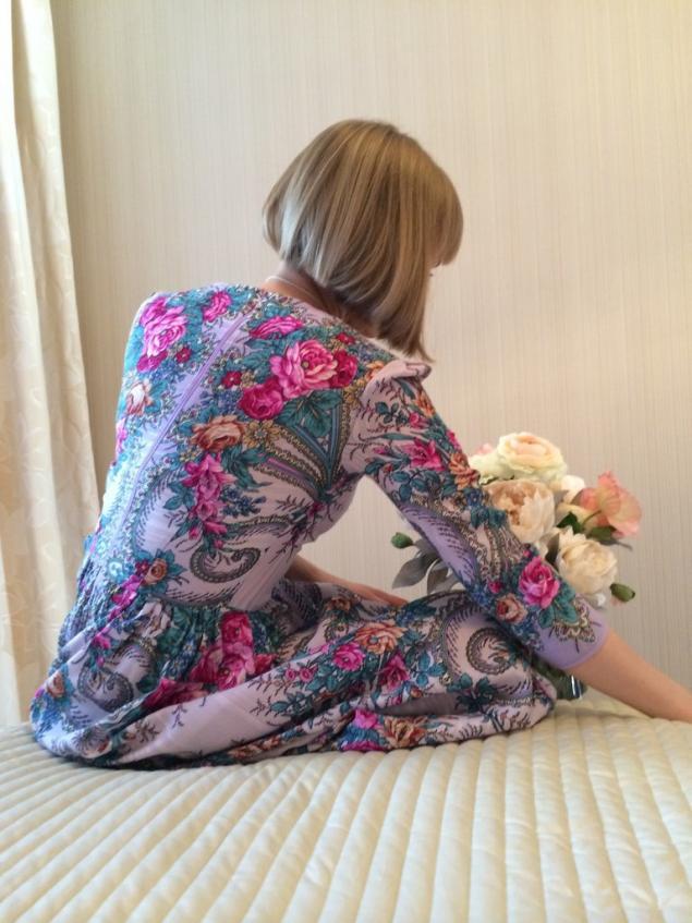 подарок, фото, цветы, платье из платка, лана зариньш, длинное платье, аля рус, подарок своими руками, розовые цветы