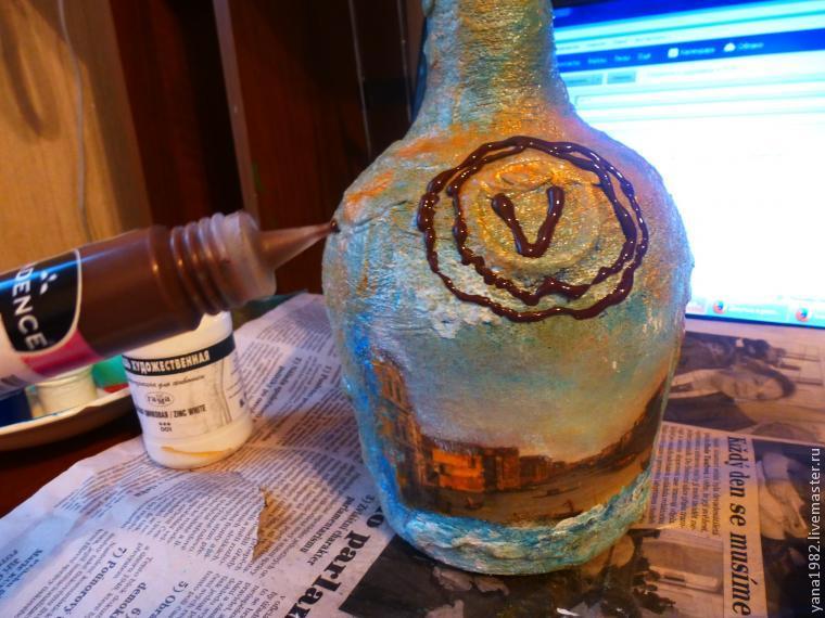 Делаем праздничную бутылочку с двусторонним декупажем, фото № 19