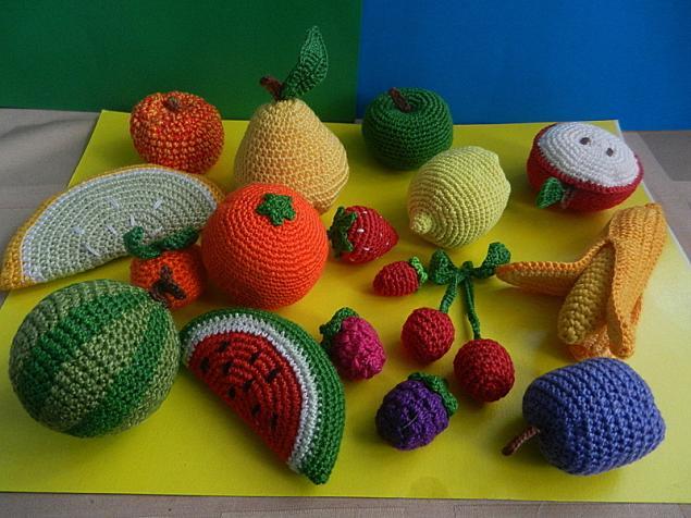 вязаные фрукты, развивающая игрушка, экоигрушка, вязаный огород