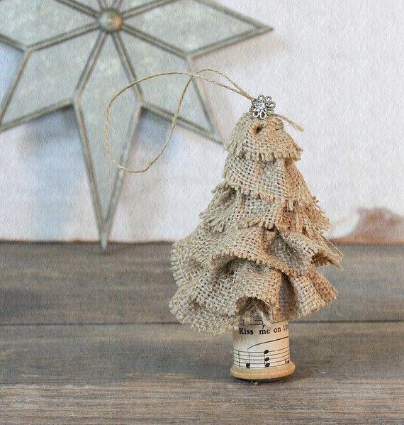 Сделать оригинальные снежинки из бумаги своими руками