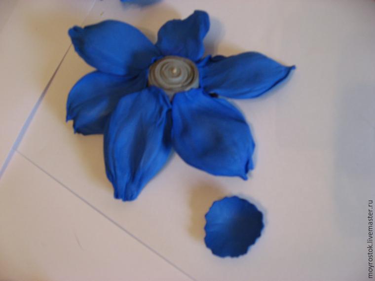 Делаем фантазийный цветок из фоамирана: публикации и мастер-классы – Ярмарка Мастеров