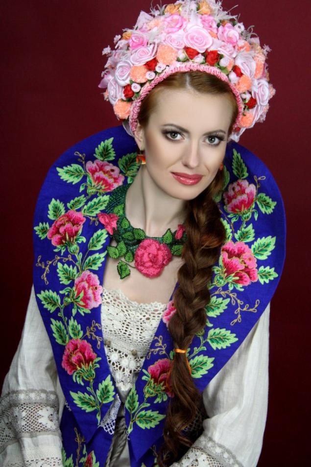 фотосессия, колье из бисера, бисероплетение, роза, цветы, авторские украшения