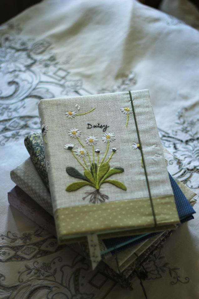 вышитые цветы, книга пожеланий, свадебные аксессуары