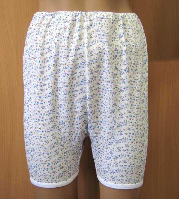 смотреть в маминых панталонах