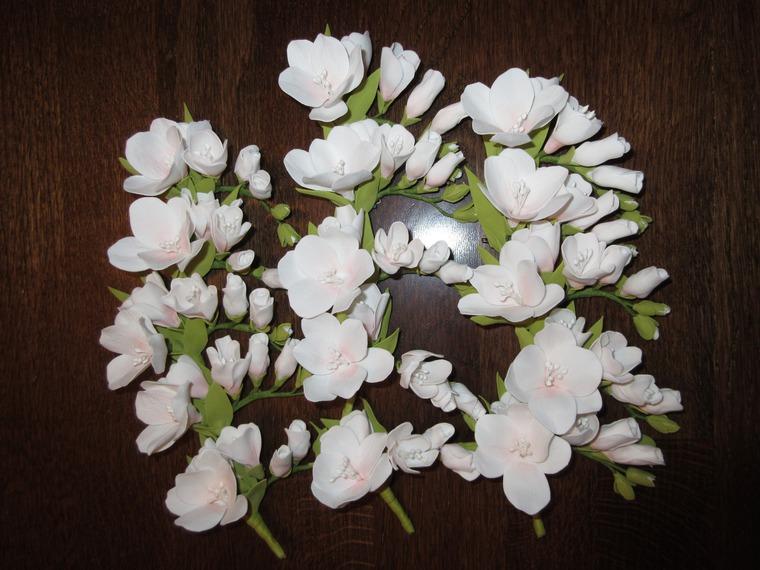много цветов, свадьба