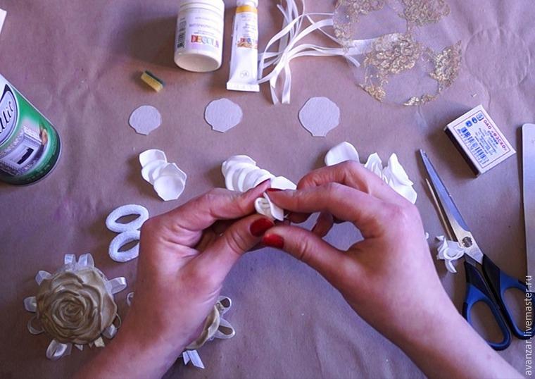 Создаем заколки с кружевом и золотыми розами из фоамирана, фото № 8