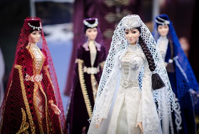 куклы в национальных костюмах фото