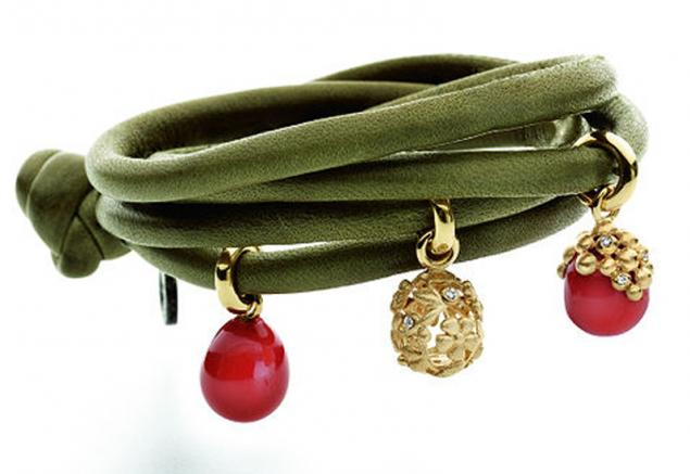 дизайн, браслет с подвесками