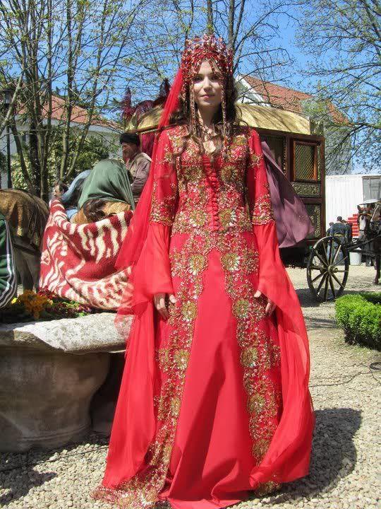 Turkish bride in ottoman style dress