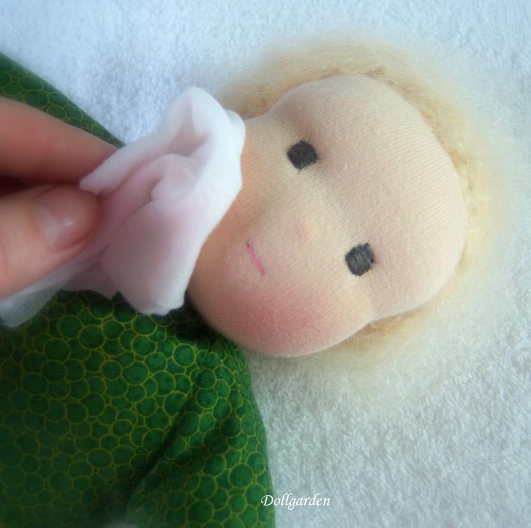 постирать куклу
