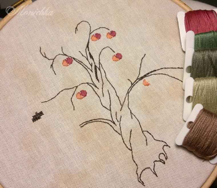 процесс работы, дерево, сэмплер, семья, рушник, вышивка, канва