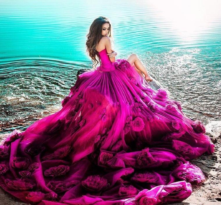 Красивая шикарная одежда