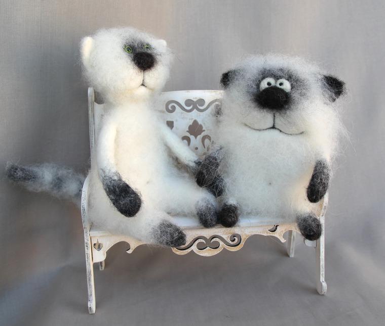 Игрушки валяние коты