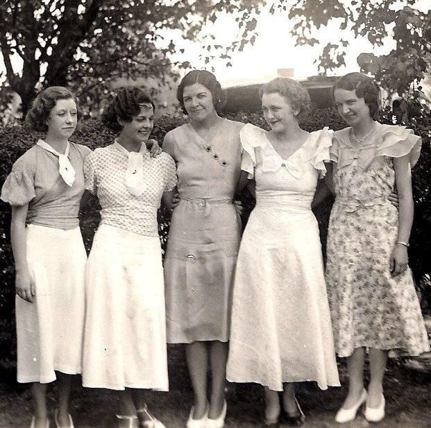 Женские вязаные костюмы