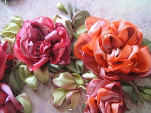 neserchay, как вышить розы лентами