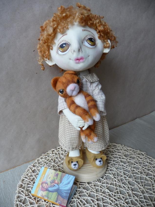 дети, кот, игрушка из войлока, грунтованный текстиль, друзья, сказка, рыжий кот, кудри, доброта, домашние тапочки, малыш