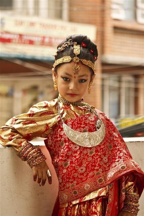 Newari girl, Kathmandu, Nepal. (Source)
