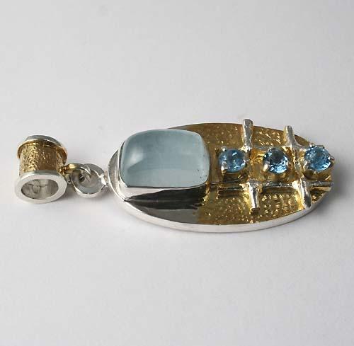 аукцион на украшения, аукцион на кулон, авторское украшение, серебро 925 пробы, натуральный топаз