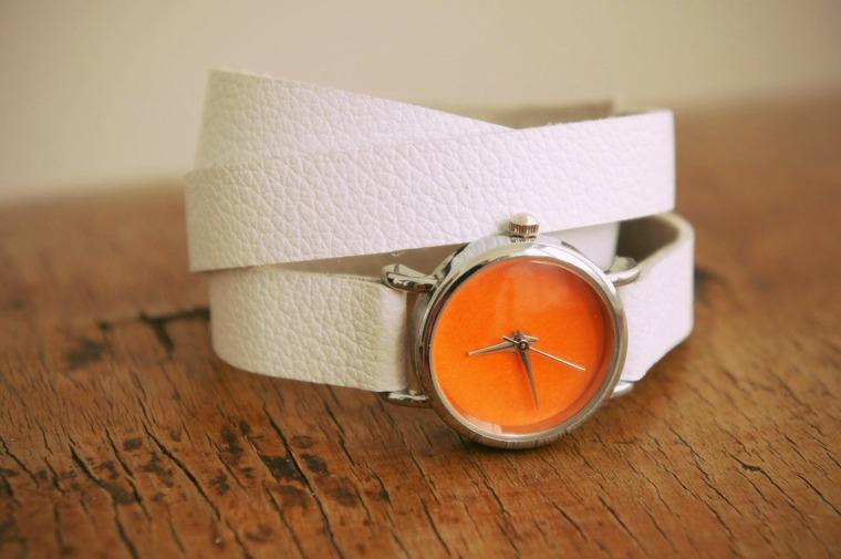 конкурс магазинов, часы в подарок