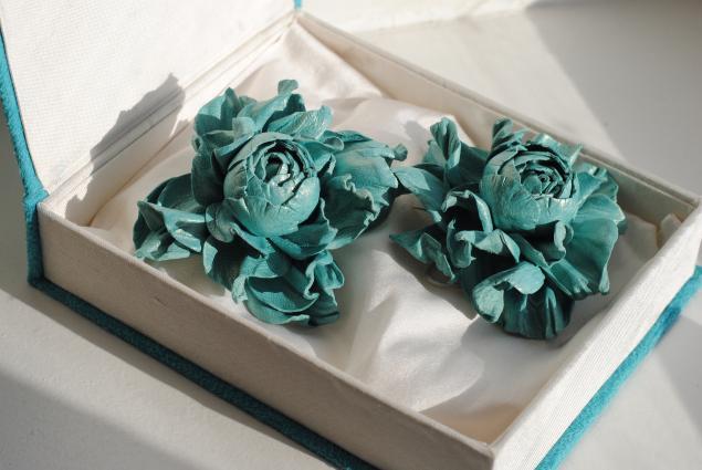 роза из кожи, роза, цветы из кожи