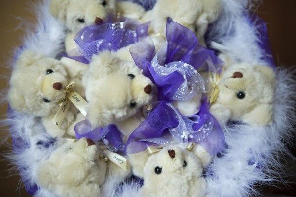 букет из мягких игрушек, подарок на 8 марта