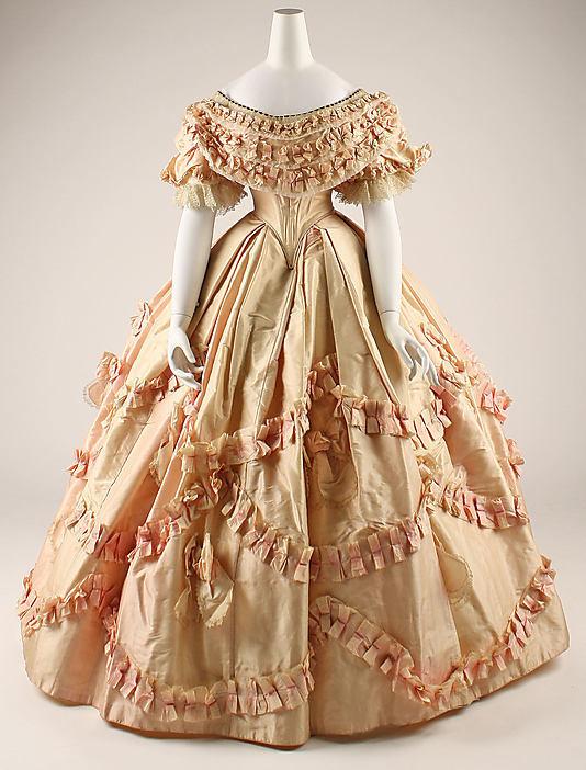 Бальное платье 19 века