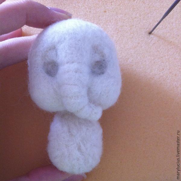 слон из шерсти