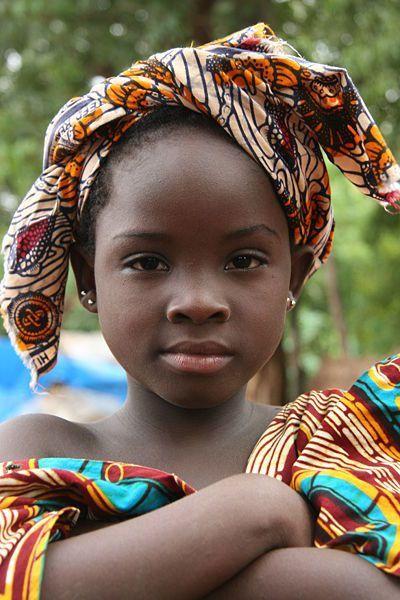 Africa | Bozo girl in Bamako, Mali Ще порасна...