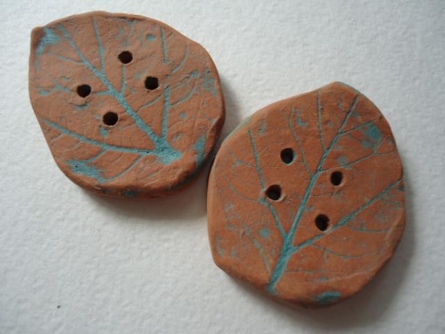 пуговицы, лепка из глины, глазурь