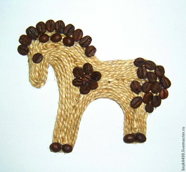 Картина лошадь из кофейных зерен своими руками мастер класс