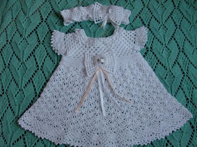 Детские платья крючком с ажурными крылышками