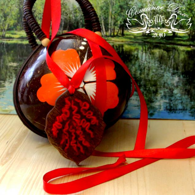 подвеска на сумочку, кулончик, страсть