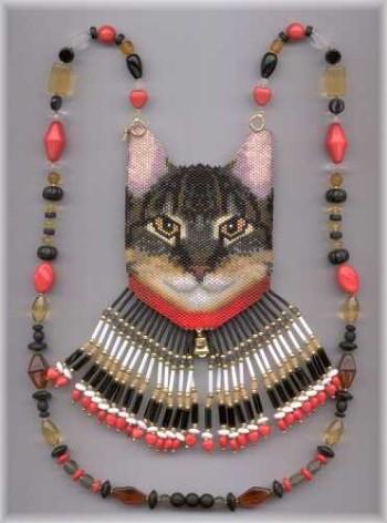и еще много кошек и бисера
