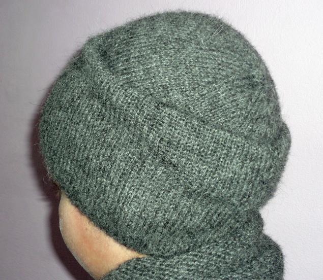 шапочка-шарфик вязаный