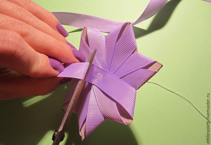 Собираем простой цветочек из ленты, фото № 9