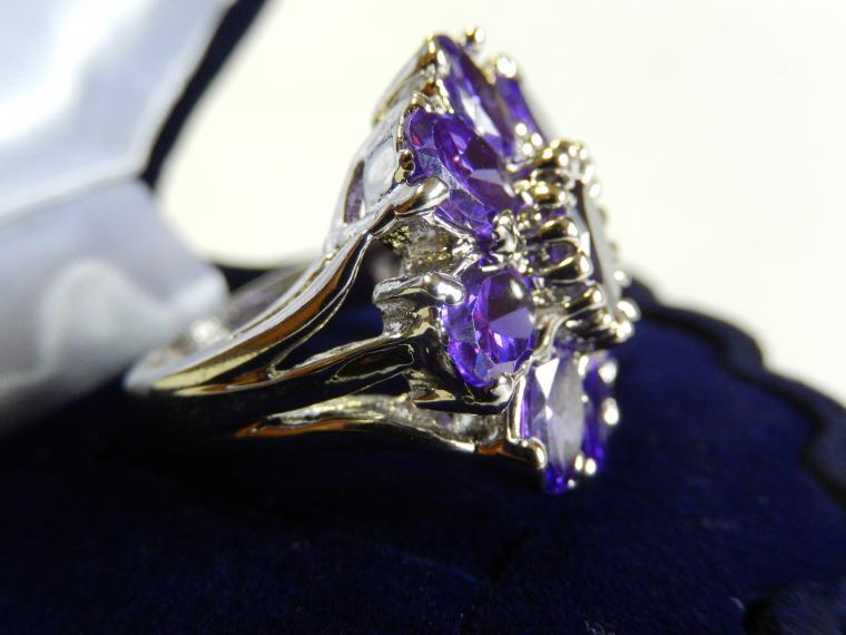 аукцион сегодня, кольцо, кольцо с камнем, подарок, скидка 15%, подарок девушке, подарок на день рождения, красивый подарок