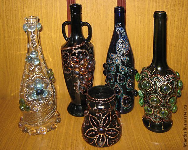 Вазочки из стеклянных бутылок