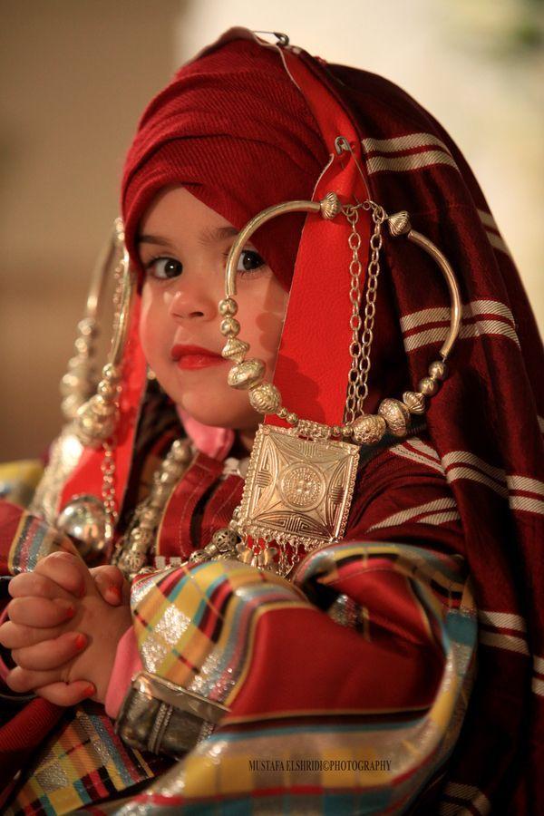 Africa | Libyan girl in traditional dress | ©Mustafa EL-shridi